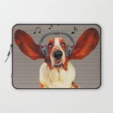 Basset Hound In Earphones Laptop Sleeve