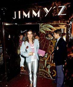 """Caroline von Monaco verlässt als junge Frau das """"Jimmy'z"""""""