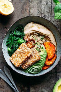 Hoisin Tofu Buddha bowls with sesame crust Delicious & healthy .- Hoisin-Tofu-Buddha-Schalen mit Sesamkruste Lecker & gesunde Rezepte für Fami… Hoisin Tofu Buddha bowls with sesame crust Delicious & healthy recipes for families - Vegan Dinners, Healthy Dinner Recipes, Vegan Recipes, Diet Recipes, Vegetarian Meals, Lunch Recipes, Buddha Bowl Vegetarian, Breakfast Recipes, Chicken Recipes
