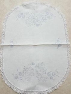 Stamped Embroidered Tablerunner with flowers on white linen. Size: x cm x cm Cross Stitch Embroidery, Quilt Blocks, Size 14, Stamp, Flowers, Embroidery, Stamps, Royal Icing Flowers, Flower