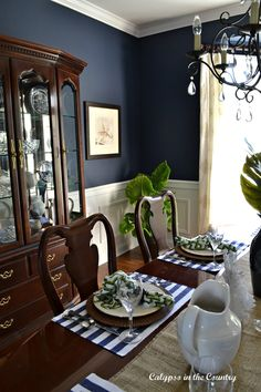 Navy Dining Room Coastal/Traditional style room design traditional Navy Dining Room Coastal/Traditional style - Trend Home Dining Room Blue, Dining Room Colors, Country Dining Rooms, Dining Room Walls, Dining Room Design, Dining Room Sets, Living Room Decor, Classic Dining Room Furniture, Living Rooms