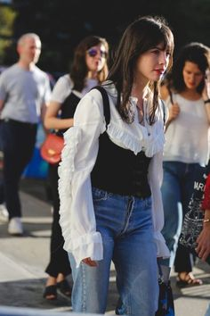 Best Street Style Outfit Photos New York Fashion Week Nyfw Street Style, Street Style Looks, Street Styles, Cowgirl Style Outfits, Look Star, Mode Inspiration, Mode Style, Celebrity Style, Fashion Looks