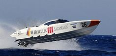 Hercules Sägemann powerboat, piloted by Sigi Greve and Douglas Verbanck, photo (c) karel Overlaet - medianaut.be for Powerboating.be