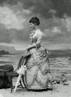 20 Stunning Vintage Photos Show What Victorian Female Fashion Looked Like - That's why Victorian Era has always been considered the most wonderful fashion.