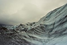 Mountains that look like the sea. Mountain Hiking, Matte Painting, Winter Wonder, Amazing Nature, Mother Earth, Traditional Art, Beautiful Beaches, Places To See, Landscape Photography