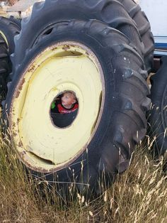 Never underestimate the influence of the tire Tractor Parts, Never Underestimate, Tractors, Monster Trucks, Cats, Blog, Gatos, Blogging, Cat