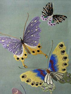 Elegant Embroidered Butterfly Motifs Vintage Maru Obi