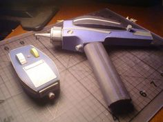 PAPERMAU: Star Trek - The Original Series - Type 2 Phaser Pistol Paper Model In 1/1 Scale - by Albion Rising