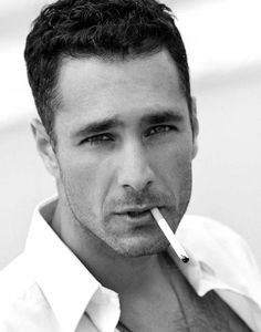 where o where can a girl find a man as close to perfection as Raoul Bova