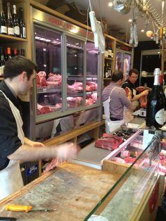 Boucherie des Provinces, 12e Paris (près du Marché d'Aligre)  Restaurant and Fleischerei