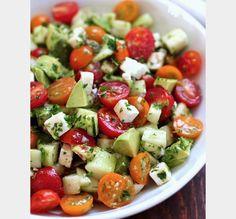Salade d'avocat à la tomate et au concombre