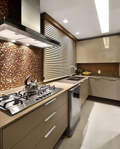30 Awesome Modern Luxury Kitchen Design Ideas – Best Home Decor Ideas Kitchen Room Design, Luxury Kitchen Design, Luxury Kitchens, Interior Design Kitchen, Cool Kitchens, Kitchen Decor, Kitchen Tile, Best Kitchen Colors, Classic Kitchen