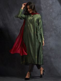 Buy Green Handwoven Chanderi Kurta with Zari and Sequin Work Sharara Designs, Kurta Designs Women, Blouse Designs, Indian Attire, Indian Wear, Indian Outfits, Indian Dresses, Pakistani Dresses Casual, Pakistani Dress Design