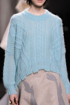 Vionnet at Paris Fashion Week Fall 2014 - Details Runway Photos Knitwear Fashion, Knit Fashion, Angora, Pullover, Knit Patterns, Cable Knitting Patterns, Knitting Designs, Sweater Weather, Missoni