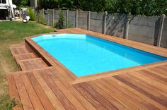 im garten holzverkleidung Create a wooden deck around my pool Swimming Pool Decorations, Swimming Pool Landscaping, Swiming Pool, Small Backyard Pools, My Pool, Small Pools, Swimming Pools Backyard, Above Ground Pool Landscaping, Above Ground Pool Decks