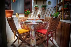 Sieglinde Lovely Apartments, Travel Cot, Baroque Art, Southern Italy, Romantic Dinners, Outdoor Furniture Sets, Outdoor Decor, Shower Tub, Lodges