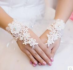 Top Fashion Beaded Lace Fingerless Ivory Wedding Gloves Wrist Length Bridal Gloves Wedding Accessories