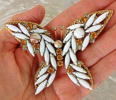 Vintage huge juliana  butterfly brooch dimensional amber by illume