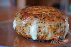 Frikadellen mit Camembert gefüllt - RezepteFor those who love Camembert, I have a recipe for meatballs filled with Camembert. Salmon Recipes, Seafood Recipes, Appetizer Recipes, Dessert Recipes, Recipes Dinner, Potato Recipes, Desserts, Meatball Recipes, Crockpot Recipes