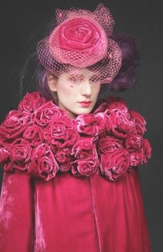 ☫ A Veiled Tale ☫ wedding, artistic and couture veil inspiration - pink velvet London Fashion Weeks, Color Magenta, Couleur Fuchsia, Floral Fashion, Vintage Fashion, Pink Fashion, Style Fashion, Moda Floral, Fru Fru