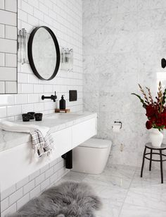 Modern Scandinavian Bathroom Interior In White - Interior Design Ideas & Home Decorating Inspiration - moercar White Marble Bathrooms, White Tiles, Bathroom Black, White Interior Design, Bathroom Interior Design, Modern Interior, Marble Interior, Bathroom Renos, Bathroom Fixtures