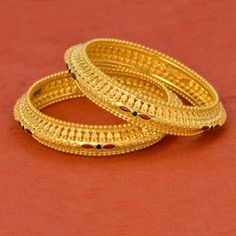 Used Gold Jewelry For Sale Plain Gold Bangles, Gold Bangles Design, Gold Earrings Designs, Gold Jewellery Design, Gold Designs, Diamond Jewellery, Designer Bangles, Jhumka Designs, Silver Bangles