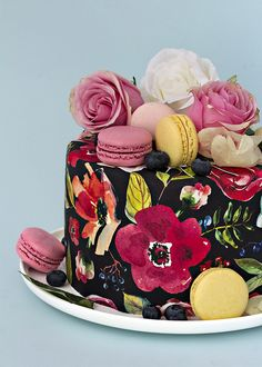 Cake Decorating Company, Birthday Cake Decorating, Cake Decorating Tips, Cupcake Icing, Cupcake Cakes, Russian Cakes, Wafer Paper Cake, Mom Cake, Painted Cakes