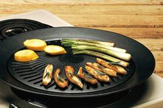 Smokeless Indoor Stove Top Grill - Healthy Kitchen Stovetop Indoor Grill >>> More info could be found at the image url. Indoor Grill, Indoor Outdoor, Healthy Grilling, Healthy Cooking, Healthy Recipes, Non Stick Grill Pan, Stove Top Grill, Bbq Stove, Griddle Grill