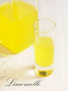 Włoski likier cytrynowy, o boskim kolorze i aromacie.