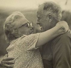 Photography / Cute old couples in love : theCHIVE Old Couple In Love, Old Love, Couples In Love, All You Need Is Love, Love Is Sweet, Cute Old Couples, Hugs, Beaux Couples, Growing Old Together