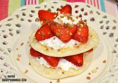 Fresas con queso cottage y obleas crujientes | Gastronomía & Cía
