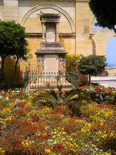 Upper Barrakka Gardens in Valletta, Malta: http://www.europealacarte.co.uk/blog/2011/06/20/barrakka-gardens/