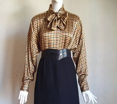 Vintage 80s Pussy Bow Houndstooth Check Silk Charmeuse Blouse Shirt 10 B44 $25 offered by funquejunque