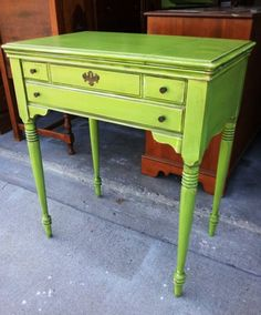 *I have this sewing machine table in original maple.....need the courage to paint it. Love that green.*