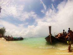 Longtail boats Koh Phi Phi | Thailand Itinerary | WhoNeedsMaps