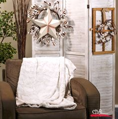 Whip up a beautiful, rich, thick and cuddly faux fur throw with our instructions and cuddle fabric. Get supplies at Craft Warehouse. Sewing Hacks, Sewing Projects, Craft Fur, Faux Fur Throw, Fabric Crafts, Making Out, Quilts, Elegant, Cuddle