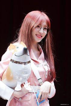 Photo album containing 2 pictures of Eunseo Kpop Girl Groups, Korean Girl Groups, Kpop Girls, Yuehua Entertainment, Starship Entertainment, Cheng Xiao, Fandom, Cosmic Girls, Extended Play