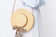 """""""バッグも衣替え""""が女の掟シャーロットオリンピアの帽子型バッグを夏の主役にしたい"""
