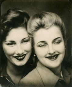 ▫Duets▫ sisters, twins & groups of two in art and photos - vintage photobooth