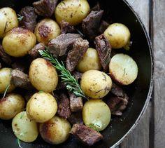 τηγανιά με χοιρινό - η συνταγή του ένδοξου μεζέ | Pandespani Mediterranean Recipes, Potatoes, Vegetables, Gourmet, Recipies, Potato, Vegetable Recipes, Veggies