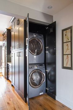 Basement Laundry Room ideas for Small Space (Makeovers) 2018 Small laundry room ideas Laundry room decor Laundry room storage Laundry room shelves Small laundry room makeover Laundry closet ideas And Dryer Store Toilet Saving Apartment Laundry, Laundry Mud Room, Laundry Dryer, Washer And Dryer, Tiny Apartment, Cheap Home Decor, Hidden Laundry, Laundry, Apartment Laundry Room