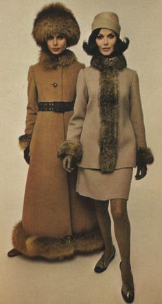 1968 Pattern by Christian Dior Pattern by Christian Dior Patterns by Pierre Cardin (r) and Nina Ricci (l) Pattern by Nina Ricci Pattern by Yves St. Laurent Pattern by Jeanne Lanvin Pattern by Fourquet … Vogue Vintage, Vintage Coat, Vintage Glamour, 60s And 70s Fashion, Mod Fashion, Vintage Fashion, 1960s Outfits, Vintage Outfits, Patti Hansen