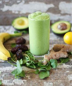 Creamy Ginger Green Smoothie // 2 handfuls organic spinach 1 cup filtered water ½ avocado 1 medium banana 1 tablespoon tahini 2 dates, pitted 1 tablespoon fresh ginger root, chopped (adjust to your taste) juice of 1 meyer lemon Vegan Smoothies, Green Smoothie Recipes, Smoothie Drinks, Fruit Smoothies, Smoothie Cleanse, Juice Smoothie, Healthy Drinks, Healthy Snacks, Healthy Fats