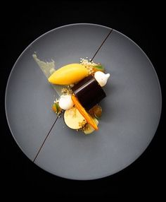 Parfait of passion fruit, mandarin orange and chocolate by malkie levine… - Sweet Food Food Design, Parfait, Gourmet Recipes, Sweet Recipes, Weight Watcher Desserts, Beautiful Desserts, Fancy Desserts, Culinary Arts, Plated Desserts