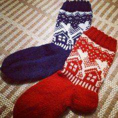 Knitting Socks, Hooks, Diy, Fashion, Knit Socks, Moda, Bricolage, Fashion Styles, Do It Yourself
