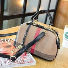 Saya menjual HAND BAG KODE BAG2276 seharga $166000.00. Dapatkan produk ini hanya di Shopee! https://shopee.co.id/afcommerce/131989884 #ShopeeID