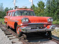STRANGE RAILROAD TRACK VEHICLE - 1958 PONTIAC STATION WAGON!
