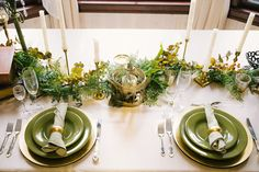 Www.clevents.ca #chantillylaceevents #clevents #fallwedding #falltheme #falltablescape #greenery #vintage #mixandmatch #birdcage #gold #green #bronze #ivory #champagne #napkinrings #candles #greenery #tableswag #greeneryswag