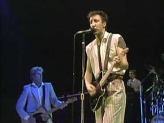 The Who - Eminence Front - Live 1982 The sun shines People forget... It's an eminence front It's a put-on... Come and join the party Dress to kill...