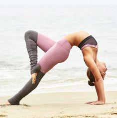 @AubryMarie in the Goddess Ribbed Legging in Purple Sand/Stormy Heather, Petal Bra in Purple Sand/Black/Black http://www.aloyoga.com/bottoms/w5386r-goddess-ribbed-legging